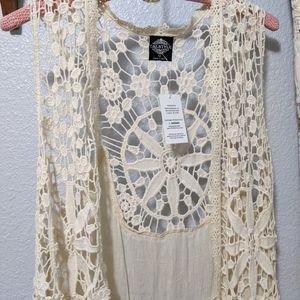 NWT Calstyle/ Boho Floral crochet Vest